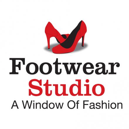 Online Ladies Footwear Logo Design